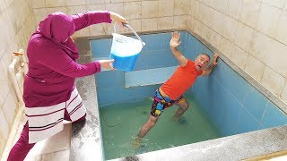 Slime PRANK! I Spilled Alo And Slime In The Pool Per Kerem