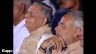 Praise of Narendra Modi in front of Secular Kumar Vishwas