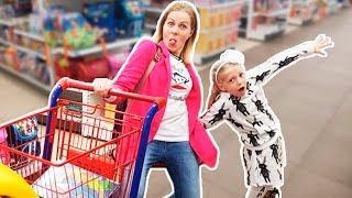 Download Милана РАЗБУДИЛА ВСЕХ УТРОМ РАНО или как Милана Выбирает Игрушки в магазине! Скетч от Family Box Video