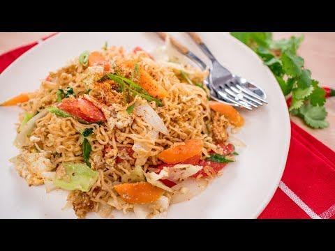 Instant Ramen Noodle Stir-Fry Recipe - Pad Mama ผัดมาม่า | Thai Recipes