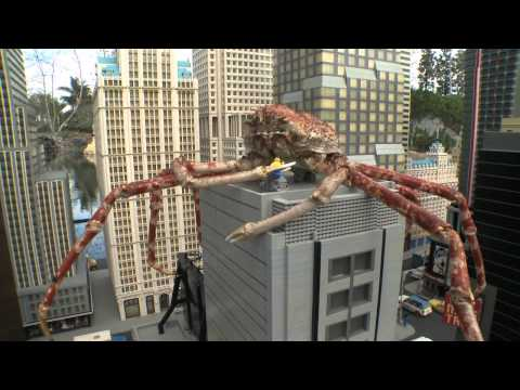 CRABZILLA INVADES MINILAND NEW YORK AT LEGOLAND CALIFORNIA RESORT