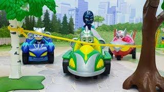 Download Мультики про машинки - видео для детей с игрушками Герои в масках - Опасность Ромео! Video