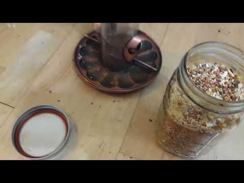 bird feeder cayenne pepper repellant