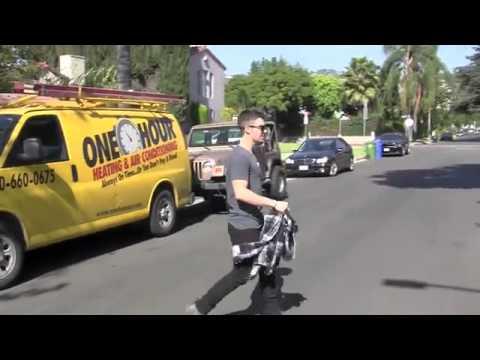 Joe Jonas Leaves Quiet Cafe In Los Angeles -Video