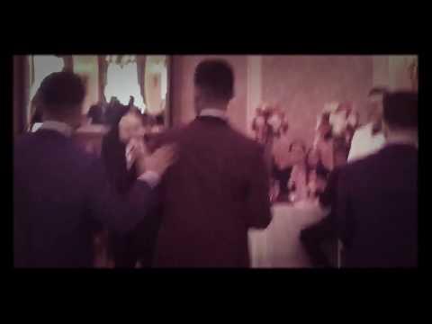 Watch how this guy catch the bride's garter belt