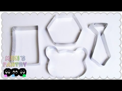 HOW TO MAKE A COOKIE CUTTER USING ALUMINUM FOIL