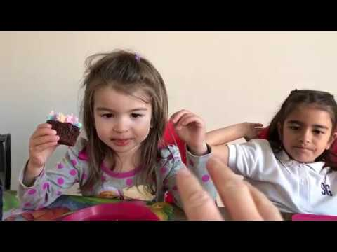 Happy Birthday Natalia ❤️ Learn Colors ❤️ Yummy Cupcake 😀 Family Vlog - Kinder Playtime