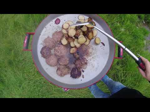 Jay Gregory - The Wild Outdoors - Cooking on His FireDisc