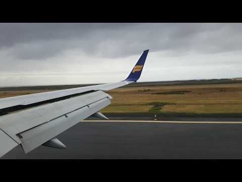 Icelandair Boeing 757 scenic approach into Iceland's Keflavik airport from Manchester