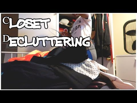 Decluttering my Closet | Moving Vlog 1