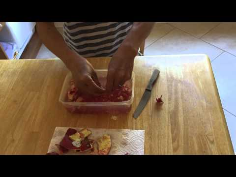 How to peel a pomegranate the easy way with water, without making a mess