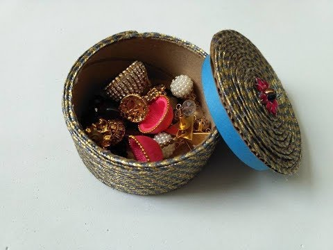 Making jewelry box with cardboard