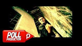Download Mustafa Sandal - Aşka Yürek Gerek ( Official Video )