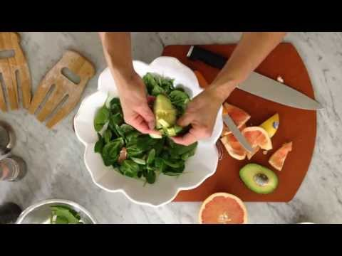 Pink Grapefruit Vinaigrette with Spinach Salad
