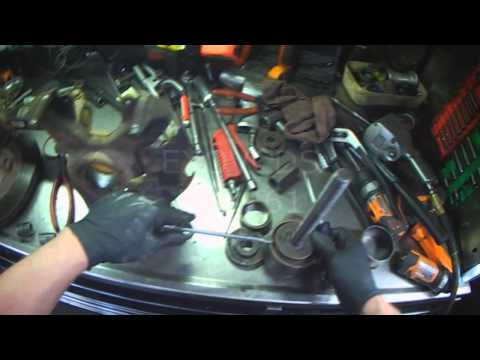 VW A4: Front Wheel Bearing Replacement