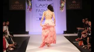 Sara Loren on ramp