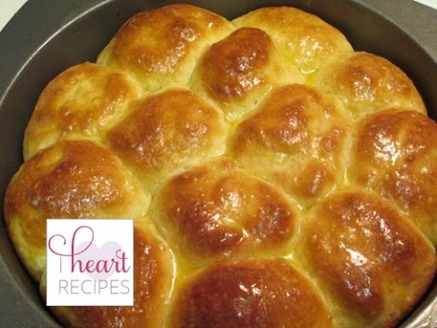 Homemade Yeast Dinner Rolls Recipe - How to Bake Homemade Rolls