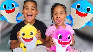 FamousTubeKIDS Surprised by Baby Shark Family!