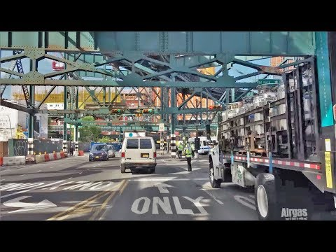 Driving Downtown - Long Island City 4K - NYC USA
