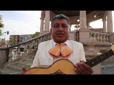 Mariachi Struggle / La Lucha del Mariachi