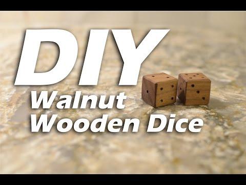 DIY Wooden Walnut Dice - HTM Dados de Madera #woodproject