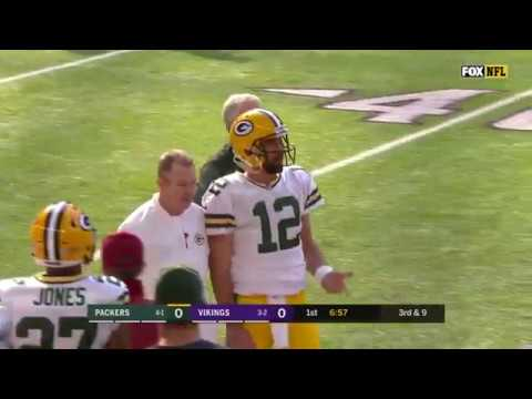 Aaron Rodgers Leaves Game With Broken Collarbone