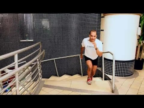 Strengthening the Thighs by Running Upstairs : Muscle Building