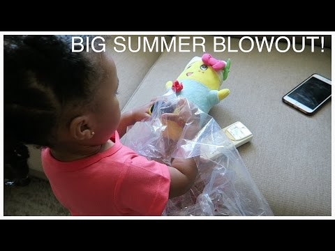 BIG SUMMER BLOWOUT! Toddler laughs at diarrhea!