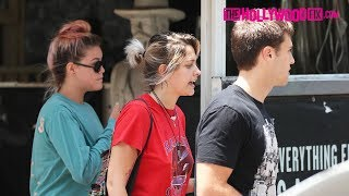 Paris Jackson Has Lunch With Friends At The Rainbow Room On The Sunset Strip 6.23.17