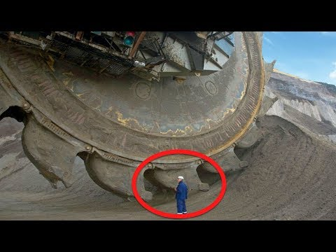 This Gargantuan Vehicle Looks Absolutely Terrifying, And Seeing It In Action Is Totally Insane