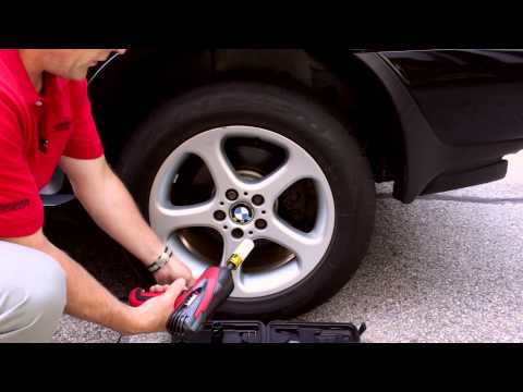 Using the Wagan 12-volt Mighty Impact Wrench