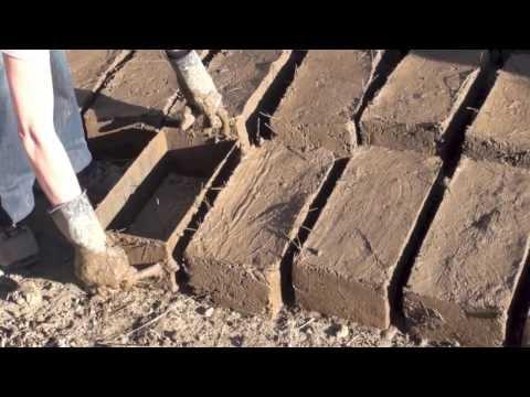 My Baby Makin' Mud Bricks - Ollantaytambo, Peru
