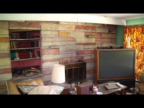 Urban Exploration : Sad, Abandoned New Jersey Pilot's House Frozen in Time