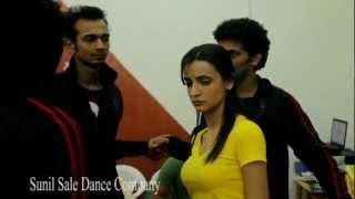 Actress Sanaya Irani talking about Choreographer Sunil.Sale