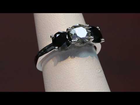 1 carat gray diamond and 1,4 carats black diamonds anniversary ring