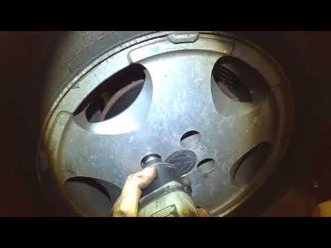 VW B3: Water pump removal on 16V Passat