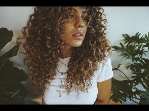 Curly Hair Routine + DIY Hair Cut