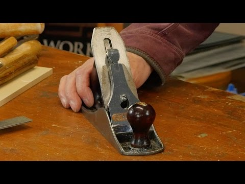 Sharpening and Setting the Bench Plane | Paul Sellers
