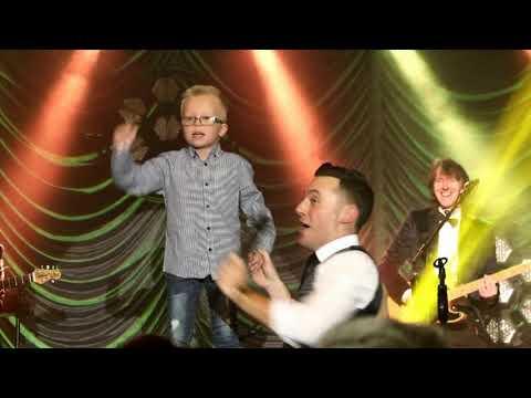 Nathan Carter, Blackpool 2018 - Codie singing Wagon Wheel live