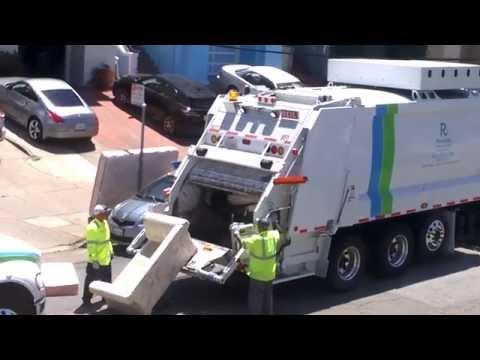 Incredible garbage truck San Francisco Recology