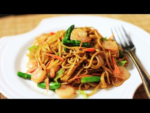 Chow Main with Soy Sauce /Chinese Stir Fried Noodles Recipe