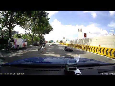 19may2018 bike skidded tpe near upper changi road exit
