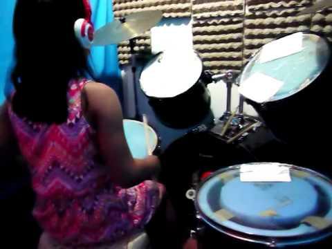 amanda on drums - sTeaLmyGiRL
