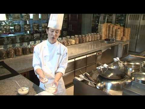Deep Fried Prawns with Honey Mayonaise & Black Sesame