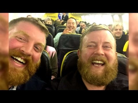 Man Randomly Finds Doppelganger Sitting Next to Him on Plane