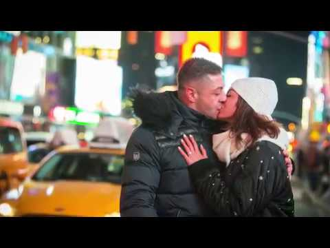 Billboard Marriage Proposal in Times Square