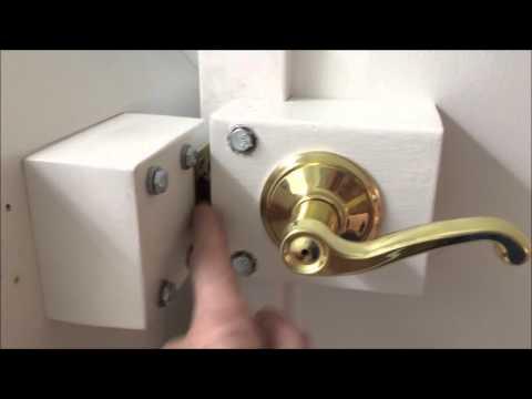 Secret door / cabinet