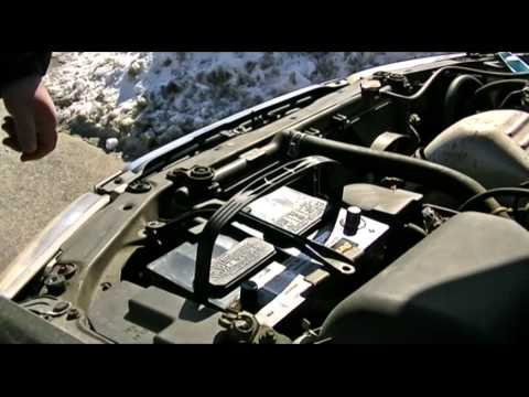 Replacing Toyota Car Battery--QUICK AND EASY!!!