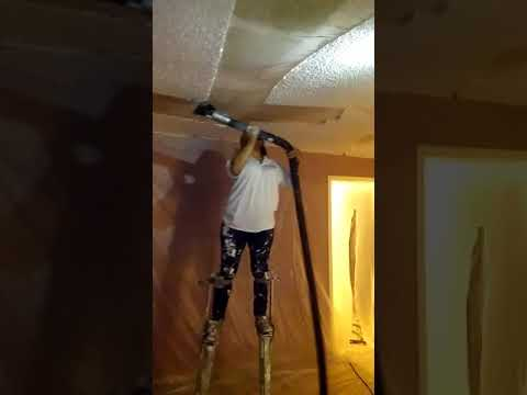 How to remove popcorn ceilings nice and clean using a vacuum cleaner