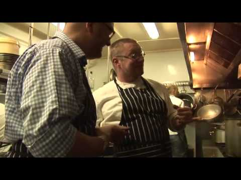 Fergus Henderson cooks a pig's head